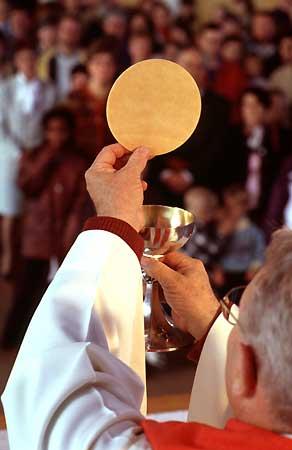 Conversions par l'Eucharistie - Tout à Jésus par Marie